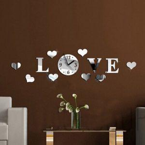 שעון קיר מעוצב לזוגות אוהבים LOVE